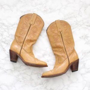 Vintage FRYE cowboy boots, tan leather, ladies 8B